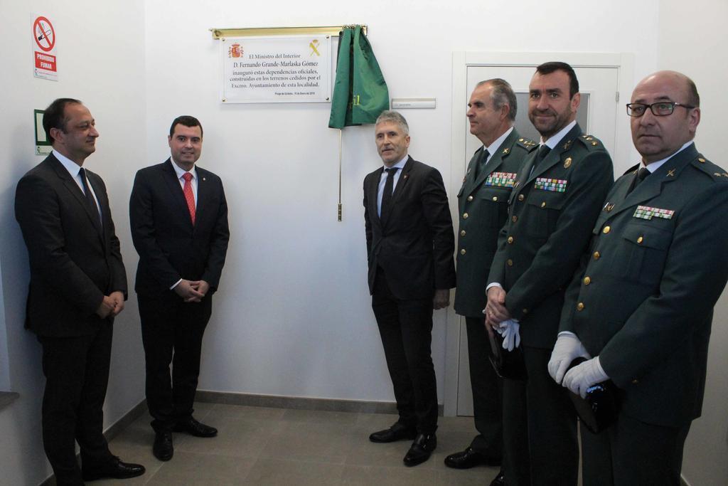 El ministro Grande-Marlaska inaugura el cuartel de la Guardia Civil ...